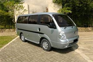 Sewa Mobil Kia Pregio / Travello di Padang Murah